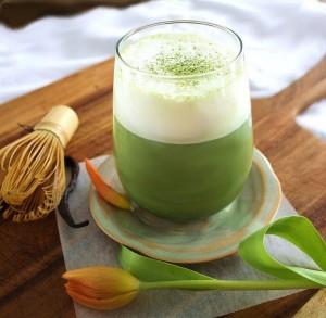 vanilla-matcha-latte